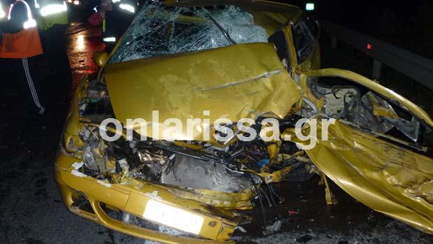 diaforetiko.gr : troxaio tebi 1 Ένας νεκρός και 13 τραυματίες από το τροχαίο στα Τέμπη