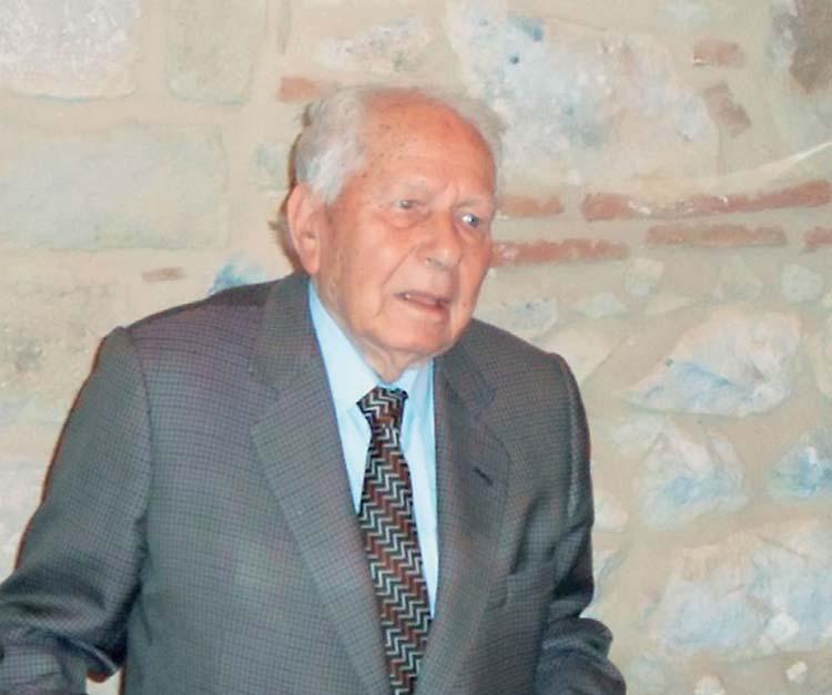 Ο πρόεδρος της Δημοκρατίας βράβευσε τον Λαρισαίο δημοσιογράφο Λάζαρο Αρσενίου