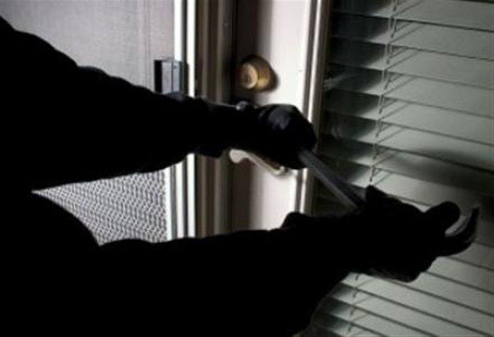 """Στα χέρια της αστυνομίας 31χρονος Λαρισαίος """"ποντικός"""" - Είχε """"ανοίξει"""" τέσσερα καταστήματα"""