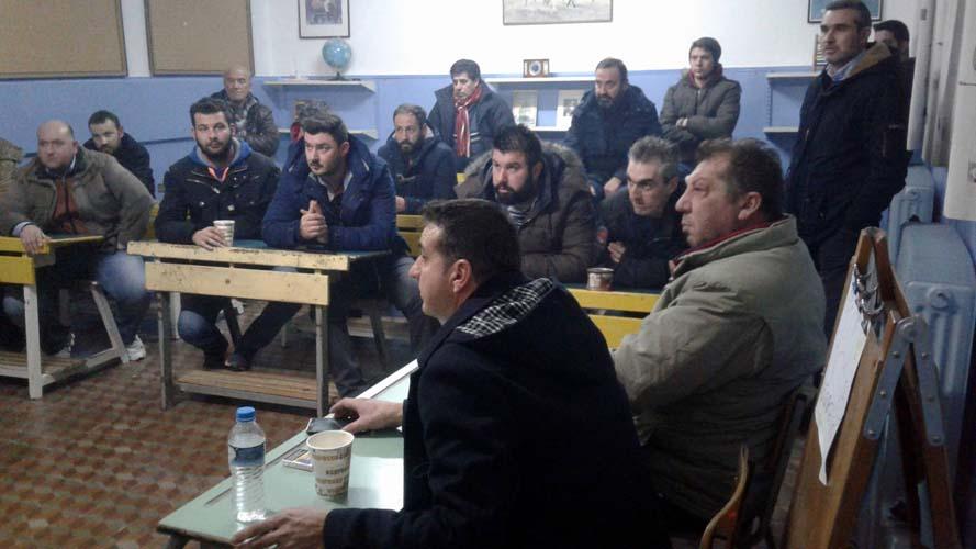 Απόφαση για νέο μπλόκο στην εθνική οδό Λάρισας - Τρικάλων έλαβαν αγρότες από τα δυτικά του νομού (φωτό)