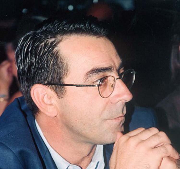 Λαρισαίος μεταξύ των στελεχών που ζητούν ιδρυτικό συνέδριο του ΠΑΣΟΚ