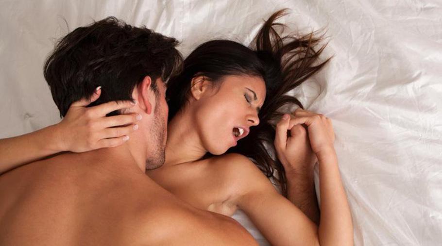 ερωτικά παιχνίδια για γυναικείος οργασμός χάλι Berry σεξ βίντεο