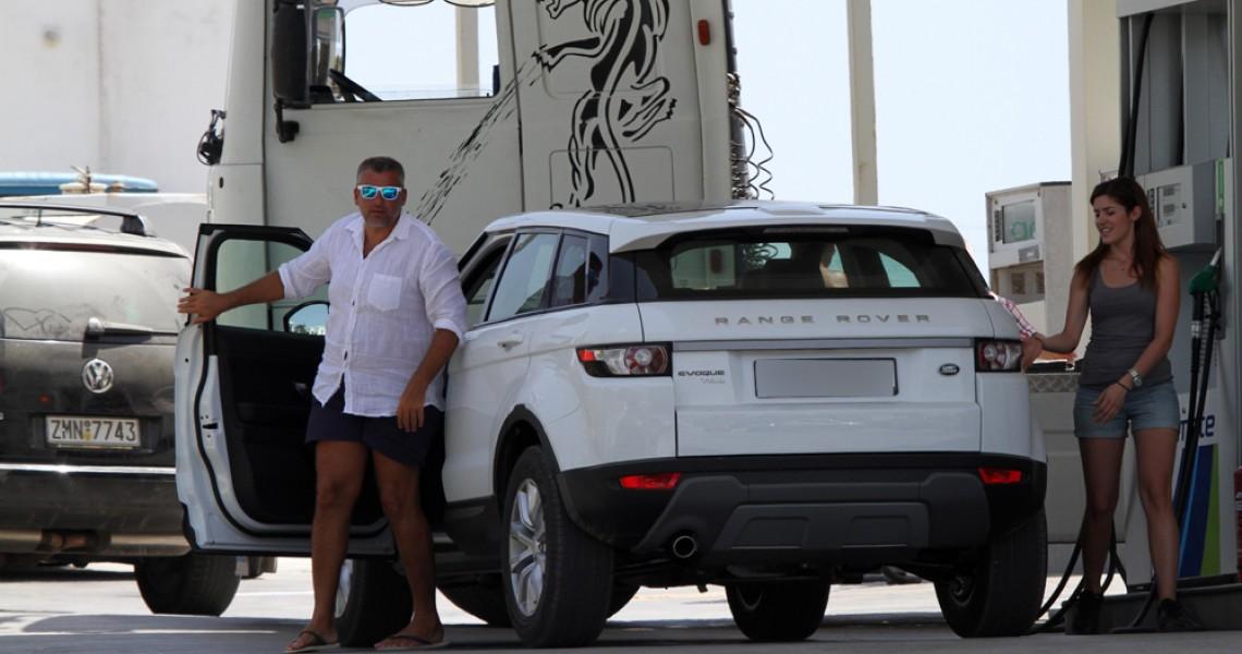 Θύμα κλοπής ο Γιώργος Λιάγκας - Έκλεψαν το πολυτελές τζιπ του
