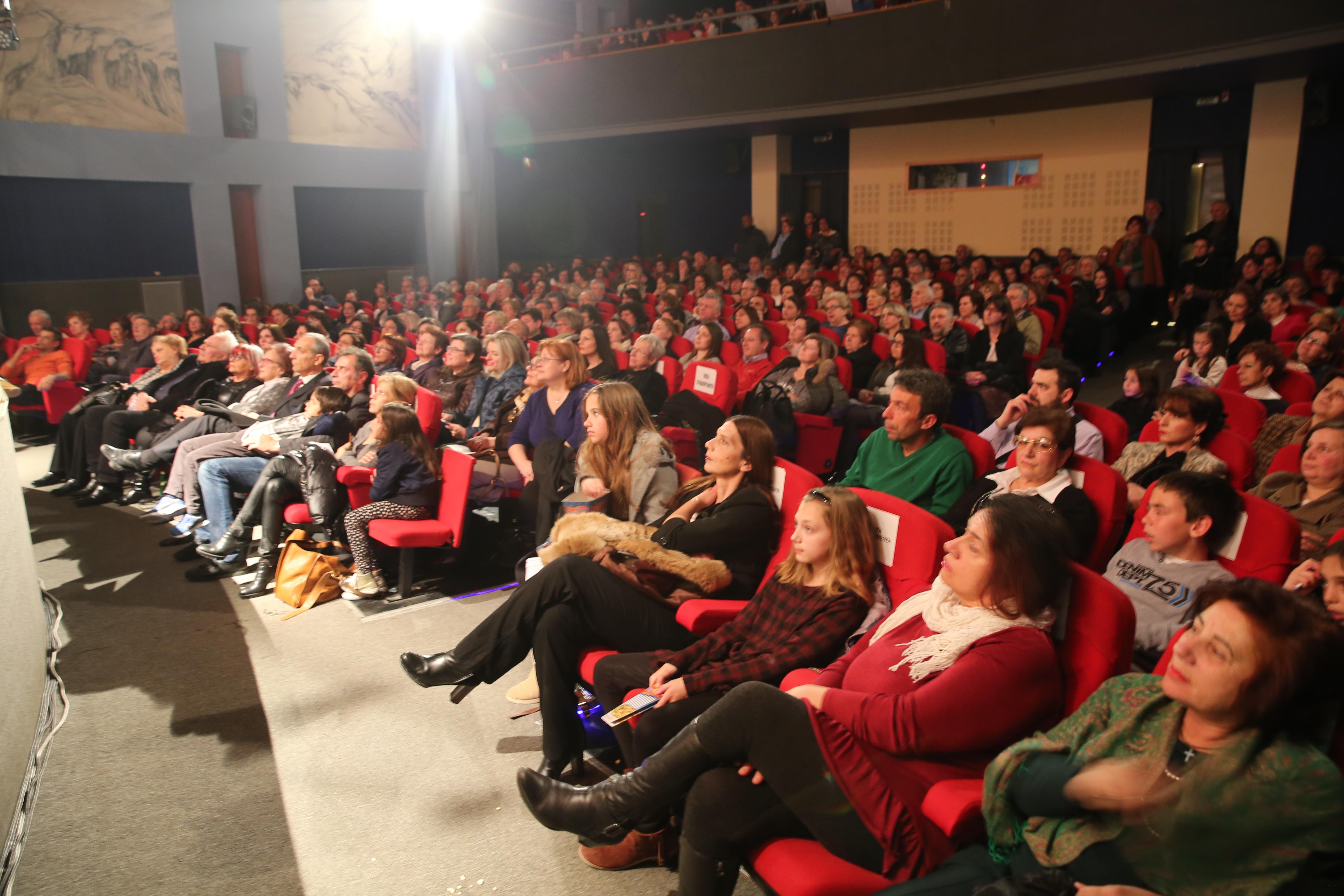 Ποιοι πήραν τα βραβεία στο 33ο Πανελλήνιο Φεστιβάλ Ερασιτεχνικού Θεάτρου