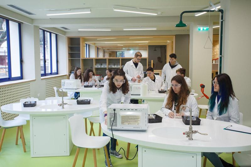 Το Κολλέγιο Ανατόλια βγάζει τους μαθητές από την παραδοσιακή τάξη