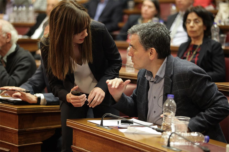 Τσακαλώτος-Αχτσιόγλου: Κάτω από τις €6.000 το αφορολόγητο, κούρεμα συντάξεων για 900.000 Έλληνες!