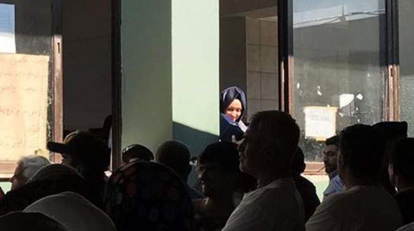 Η κόρη του Γιλντιρίμ στους πρόσφυγες στο Σχιστό!