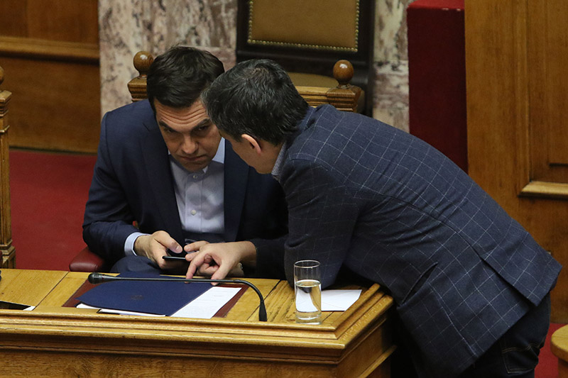 Η Βουλή παρέπεμψε τον Παπαντωνίου σε προανακριτική με 252 ψήφους