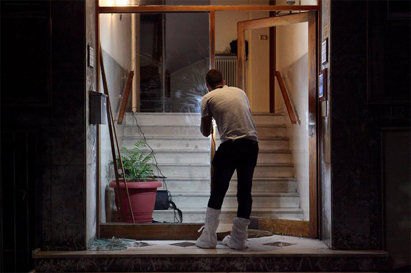Αμπελόκηποι: Επιασε στα πράσα τον ληστή του γείτονά του και αυτός τον μαχαίρωσε