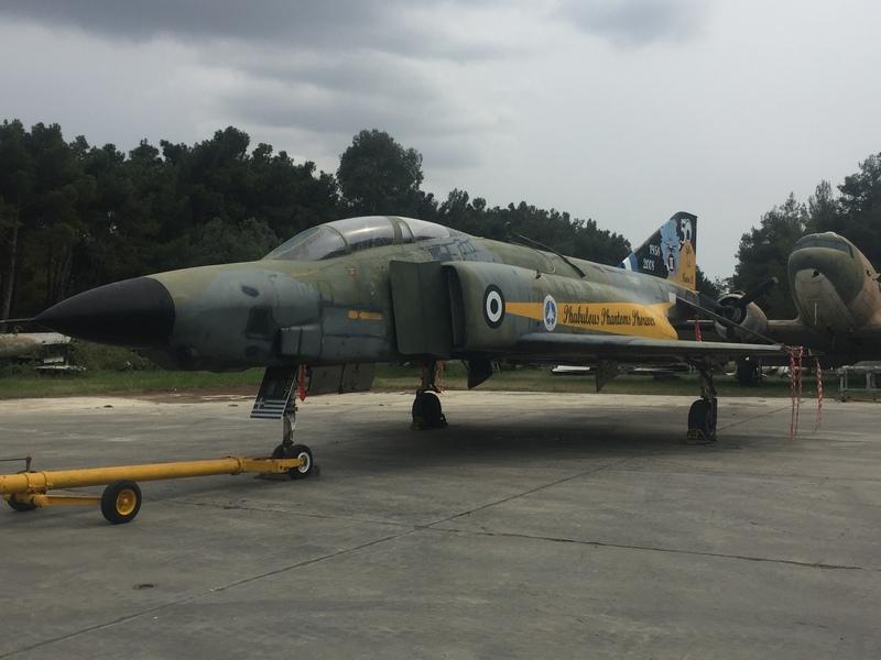 Βίντεο: Το τελευταίο RF-4 μεταφέρεται στο μουσείο της Πολεμικής Αεροπορίας