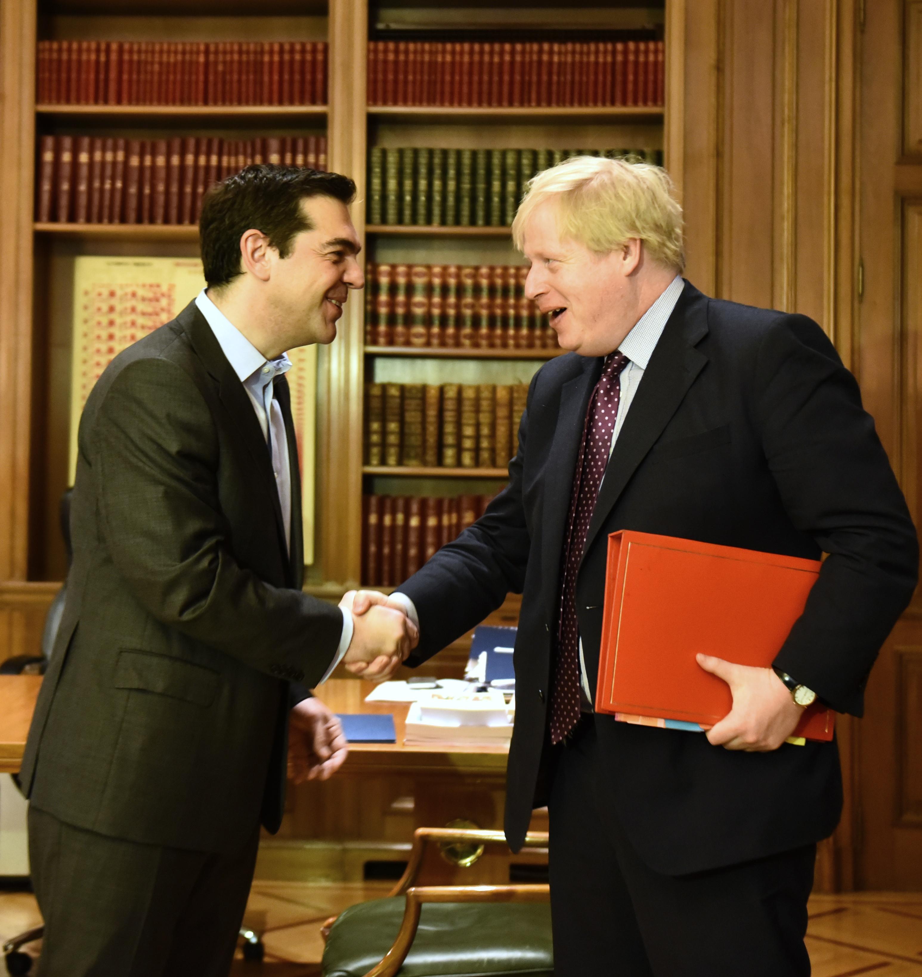 Κυπριακό και Brexit στο επίκεντρο της συνάντησης Τσίπρα - Τζόνσον