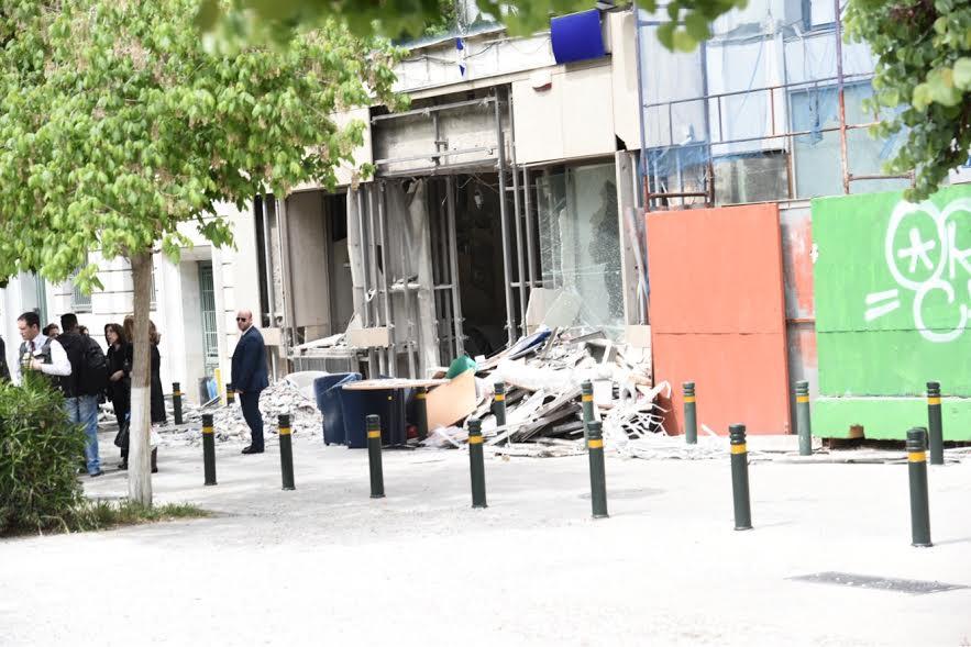 Τεράστιες οι ζημιές στο κτήριο της Eurobank από την βόμβα στην Σανταρόζα