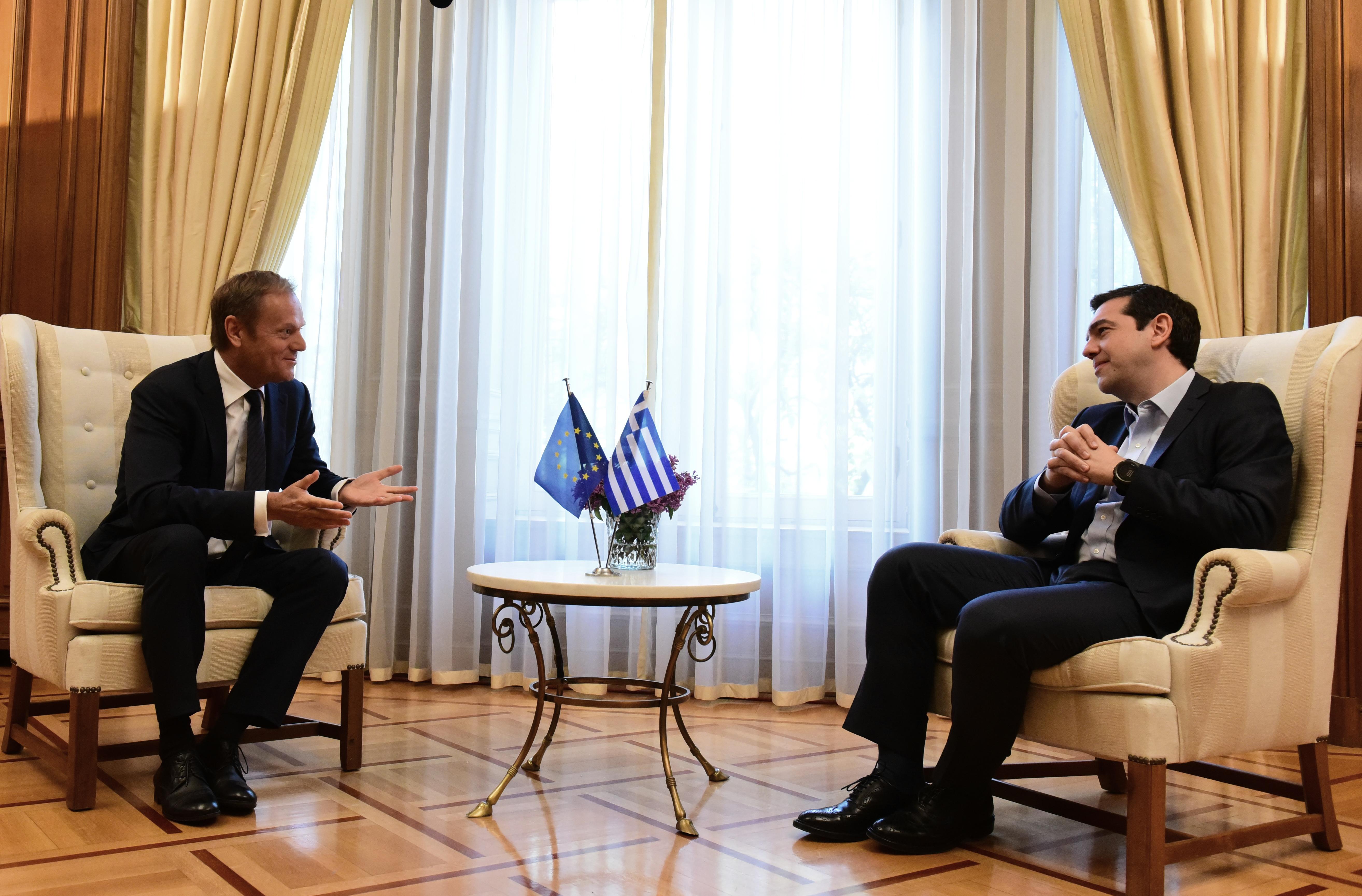 Έκτακτη Σύνοδο Κορυφής αν δεν υπάρξει λύση στο Eurogroup ζήτησε από τον Τουσκ o Τσίπρας