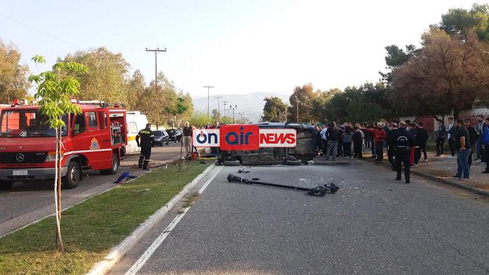 Μαθητές έβγαλαν από φλεγόμενο αυτοκίνητο δύο παιδιά και μια γυναίκα στο Μεσολόγγι