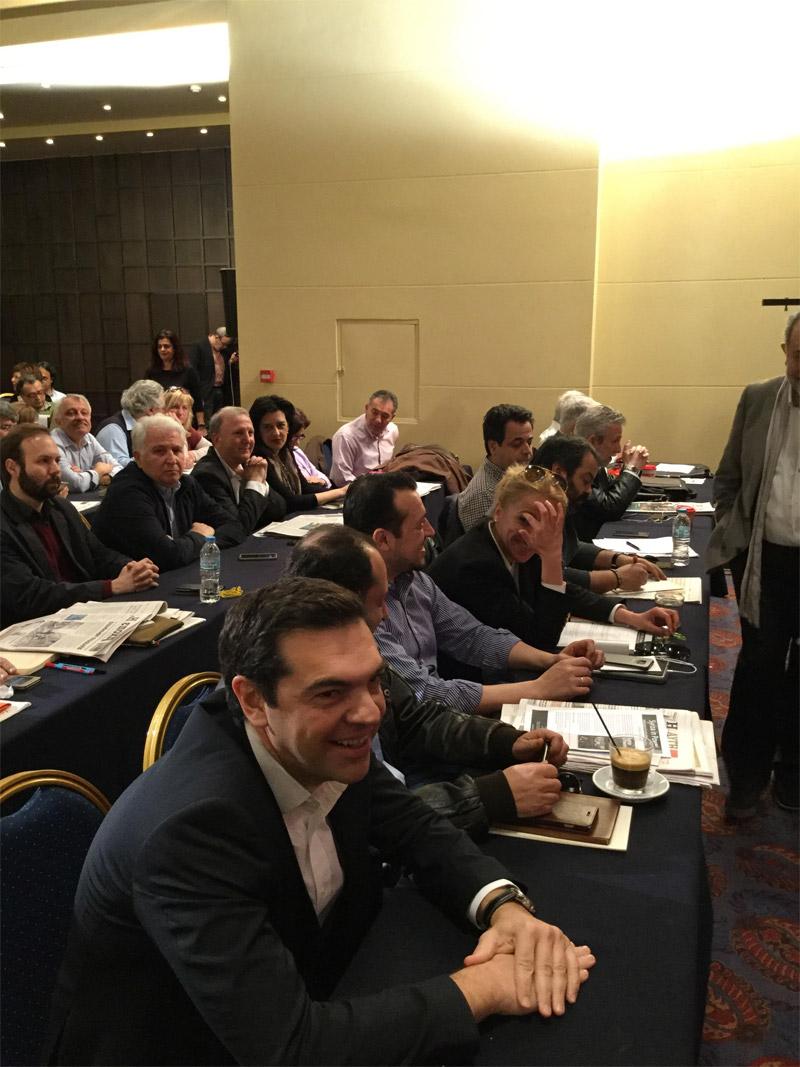 Οι υπουργοί με τα δερμάτινα στην Κεντρική Επιτροπή του ΣΥΡΙΖΑ