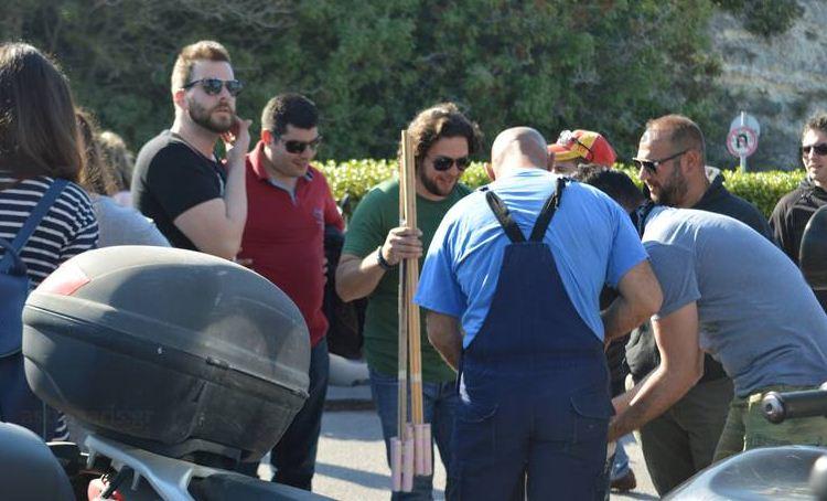 Φωτογραφίες: Μαζική παρέλαση υπέρ του ρουκετοπόλεμου στην Χίο