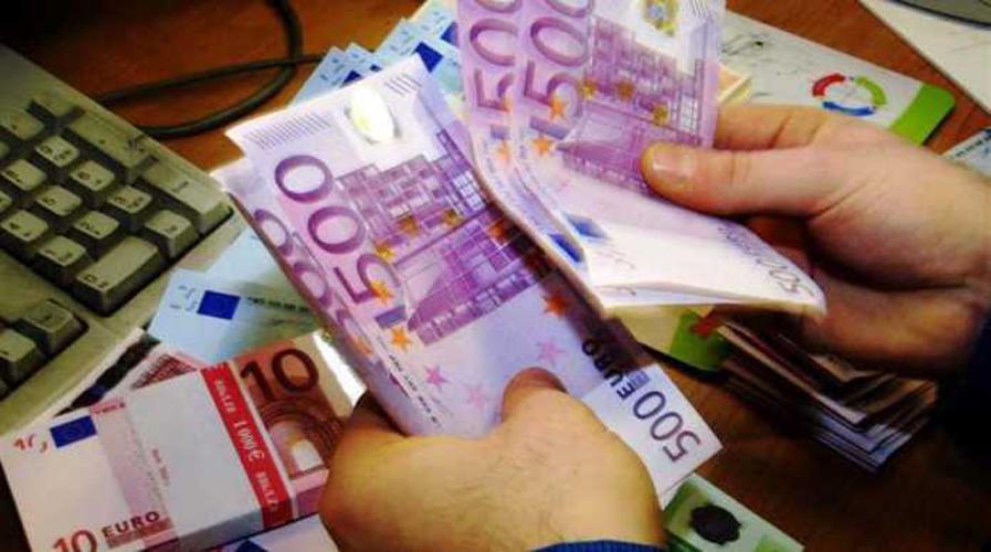 Έχασε στο δρόμο 50.000 ευρώ και του τα επέστρεψαν