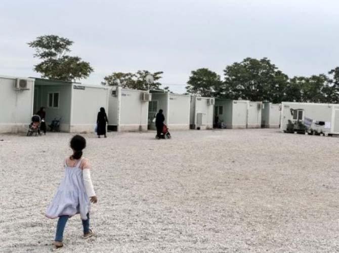 Έκρυθμη η κατάσταση στο Κουτσόχερο: Διαμαρτυρόμενοι πρόσφυγες έβαλαν φωτιά σε κάδους