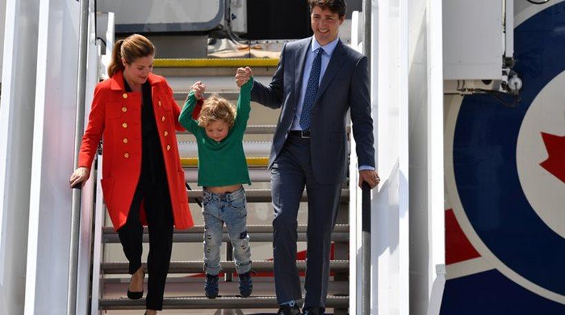 Ο Τριντό με την γυναίκα του και ένα από τα τρία παιδιά τους