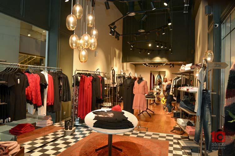 3ce75823c311 Εντυπωσιακά εγκαίνια για το νέο κατάστημα United Colors of Benetton και  Sisley στη Λάρισα!