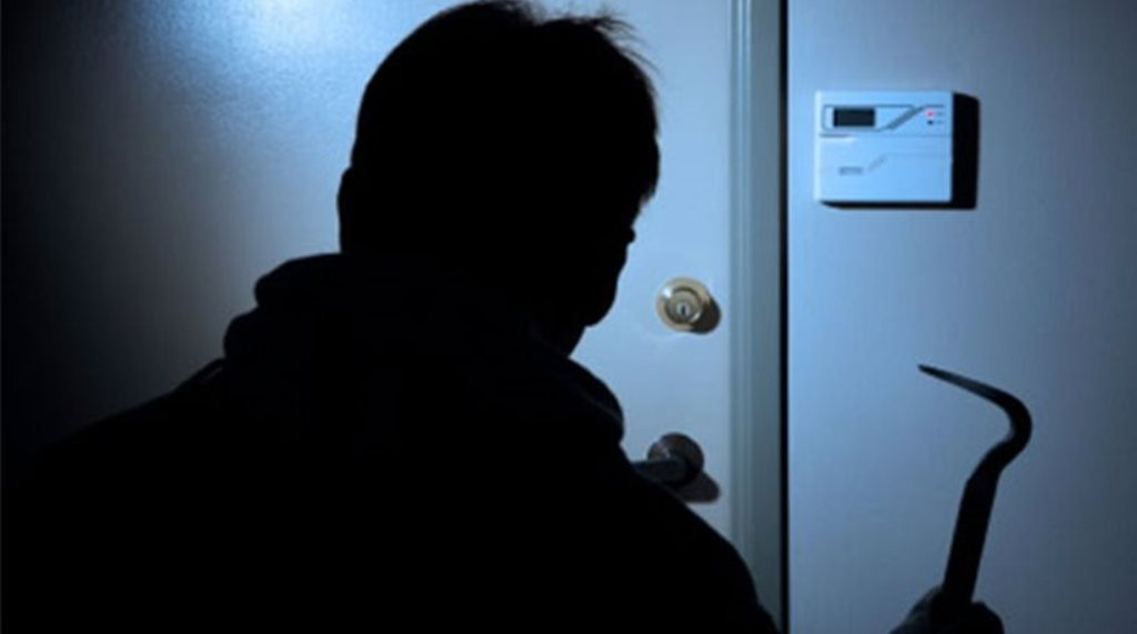 Είχε «ρημάξει» πέντε διαμερίσματα στη Λάρισα!- Συνελήφθη ο 28χρονος δράστης