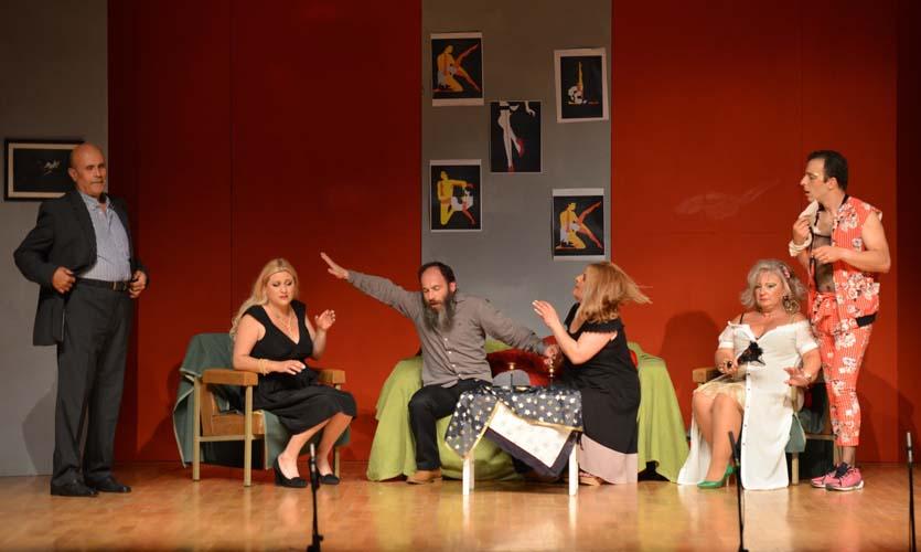 Με επιτυχία δόθηκαν οι παραστάσεις του έργου «Οδός Αφροδίτης 69» στη Νίκαια
