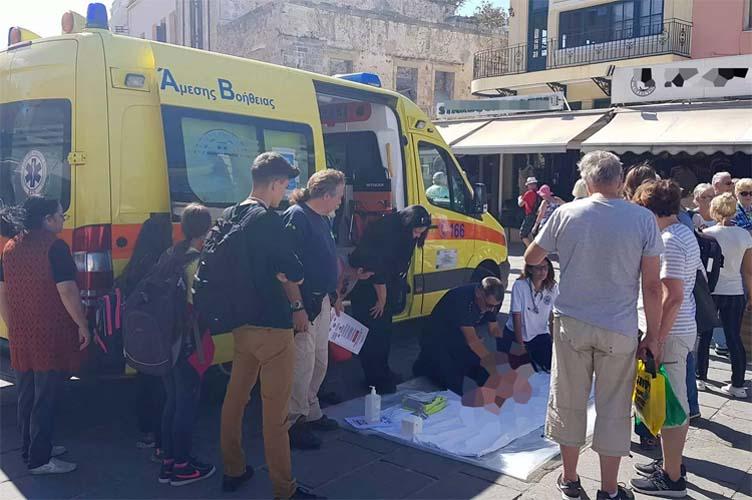 Έπαθε ανακοπή στο κέντρο της Λάρισας και τον έσωσαν οι διασώστες του ασθενοφόρου επιφυλακής!