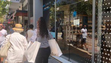 Επιστρέφει σε κανονικούς ρυθμούς το κέντρο της Λάρισας - Δείτε φωτογραφίες