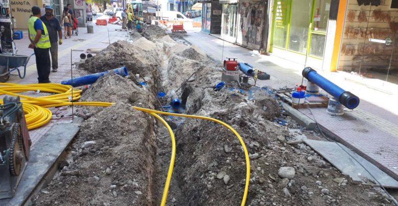 Πολύωρη διακοπή νερού στο κέντρο της Λάρισας λόγω βλάβης από εργασίες... οπτικών ινών! (φωτό)