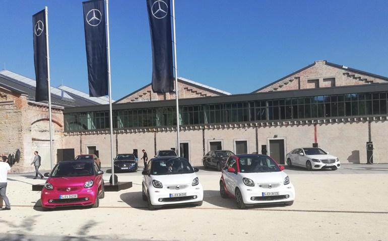 Τα αυτοκίνητα μας περιμένουν για το πρώτο test drive