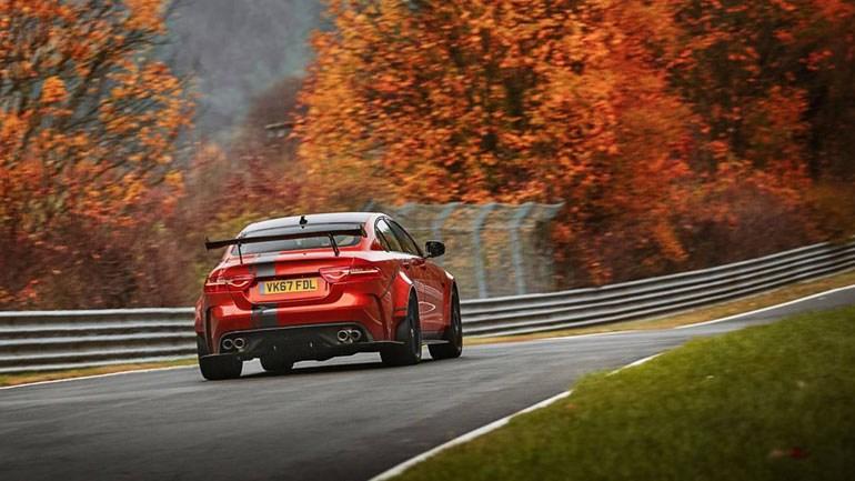Ταξί απόδοσης 600 ίππων από την Jaguar