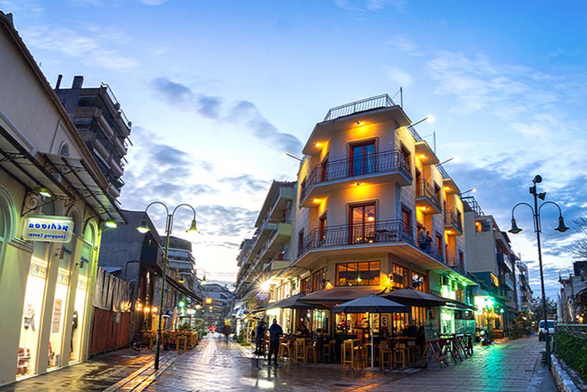 Όταν αποθεώνουν τη Λάρισα: Η «πρωτεύουσα του καφέ»- Η υπέροχη ελληνική πόλη με τις 1674 καφετέριες και την αστείρευτη ομορφιά (φωτο)