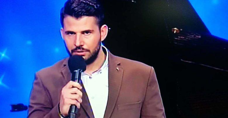 Δεν μοιάζει με κανέναν άλλον, είναι Λαρισαίος και εντυπωσίασε με την διαφορετικότητά του στο «Ελλάδα έχεις Ταλέντο» (φωτο-βίντεο)