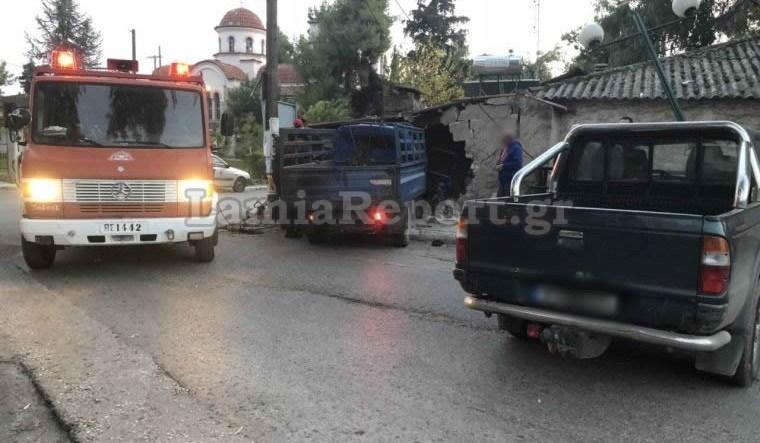 Ένας νεκρός και ένας τραυματίας σε τροχαίο στη Λαμία