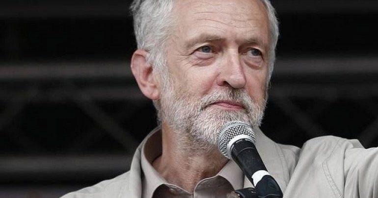 Τζέρεμι Κόρμπιν: Οι Ευρωπαίοι Σοσιαλιστές να στραφούν προς τα αριστερά
