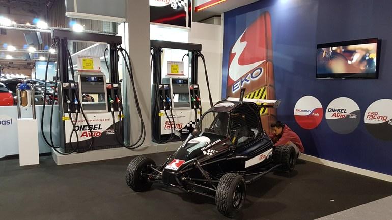 Στο περίπτερο της ΕΚΟ θα δείτε και μία χωμάτινη Formula που συμμετέχει στο θεσμό Dirt Games