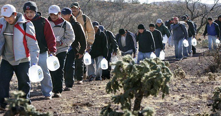 Οι 5.000 μετανάστες του καραβανιού ξεκίνησαν εκ νέου την πορεία τους προς τις ΗΠΑ
