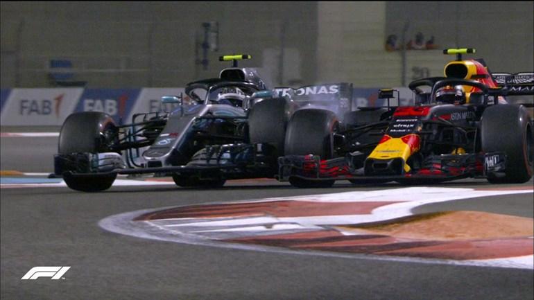 Η στιγμή που ο Verstappen προσπερνά τον Bottas