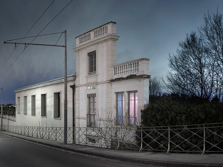 Μόνον προσόψεις στις πόλεις που φωτογραφίζει ο Γκοντριγιό -Ρουά