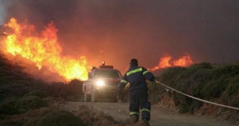 Αγρίνιο: Μεγάλη φωτιά σε εξέλιξη κοντά στην κοίτη του Ευήνου
