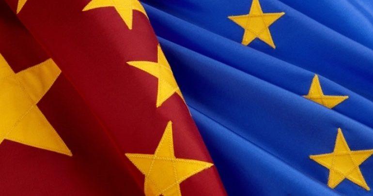 """Ευρώπη: """"Φρένο"""" στην """"ευρωπαϊκή αφέλεια"""" απέναντι στις κινεζικές επενδύσεις"""