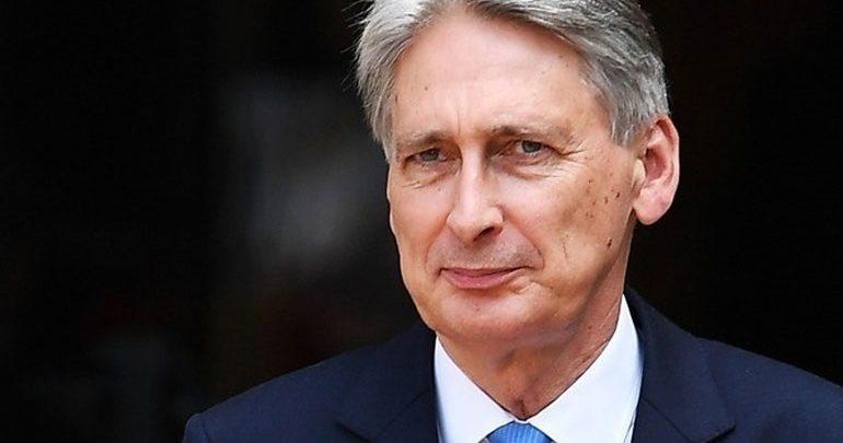 Φίλιπ Χάμοντ: Η συμφωνία του Brexit θα έχει ελάχιστη αρνητική επίπτωση στην οικονομία