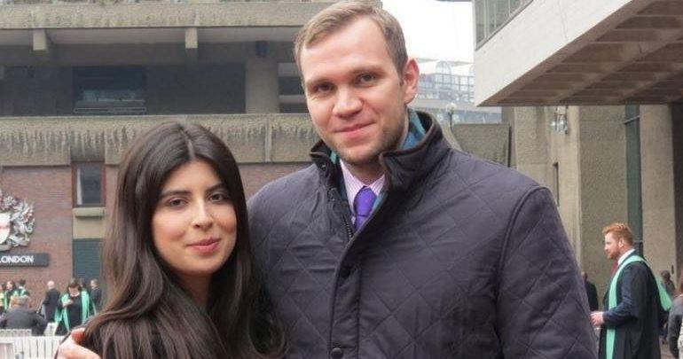 Στο Λονδίνο ο βρετανός ακαδημαϊκός που του απονεμήθηκε χάρη μετά την καταδίκη του για κατασκοπεία