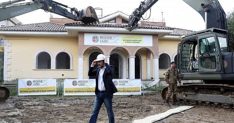 Ιταλία: Οι βίλες της μαφίας που κατεδαφίζει ο Σαλβίνι