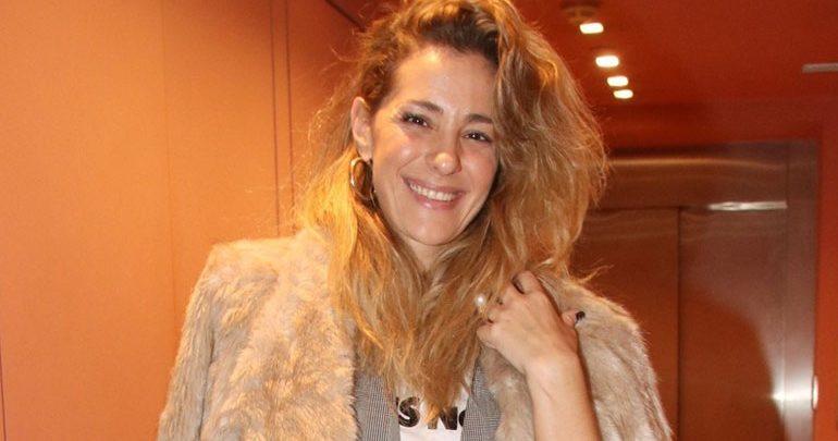 Νατάσσα Μποφίλιου: Βραδινή έξοδος στο θέατρο με casual look!