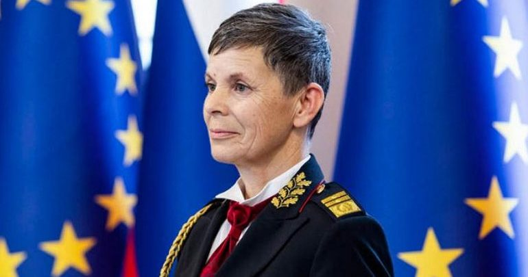 Σλοβενία: Η πρώτη γυναίκα επικεφαλής ενόπλων δυνάμεων σε χώρα του ΝΑΤΟ