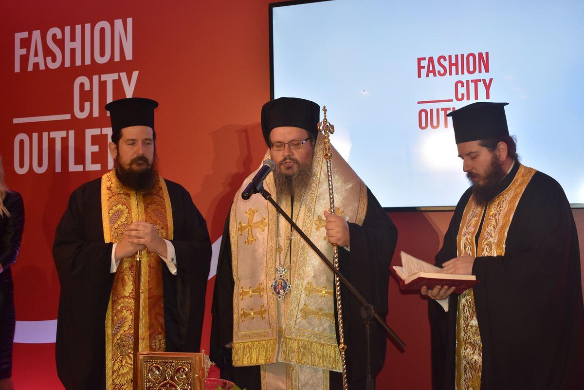Απίστευτη κοσμοπλημμύρα στα εγκαίνια του FashionCityOutlet στη Λάρισα! Λατρεία για Αργυρό, Σκορδά – Δείτε πλούσιο ΦΩΤΟΡΕΠΟΡΤΑΖ