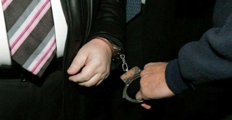 Με χειροπέδες στη Λάρισα 71χρονο «μπουμπούκι» για παράβαση του νόμου περί ναρκωτικών