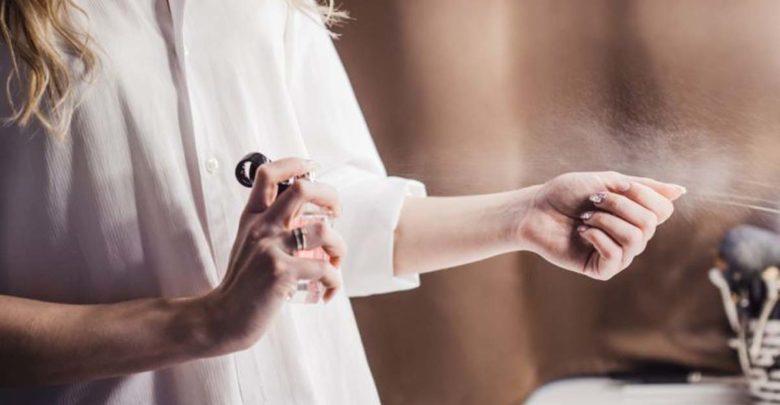 Επτά tips για να διαρκεί το άρωμά σας όλη μέρα