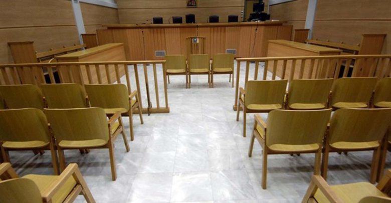 Δάσκαλος καταδικάστηκε σε κάθειρξη 48 ετών για αποπλάνηση μαθητριών του